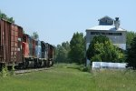 CN 5702 passing by feed mill