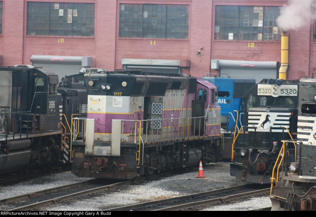NORFOLK SOUTHERN MBTA 1117 AT NS ALTOONA SHOPS