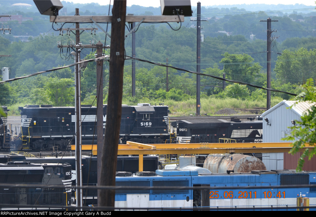 NORFOLK SOUTHERN YARD SHOT WITH NORFOLK SOUTHERN GP38-2 5169