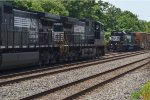 NORFOLK SOUTHERN GP38-2 5303 PASSING 9286