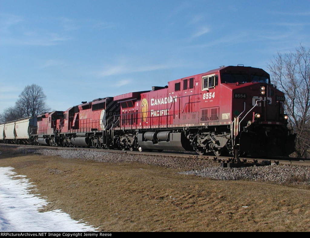 CP 8554 with two Pac-Man trailers