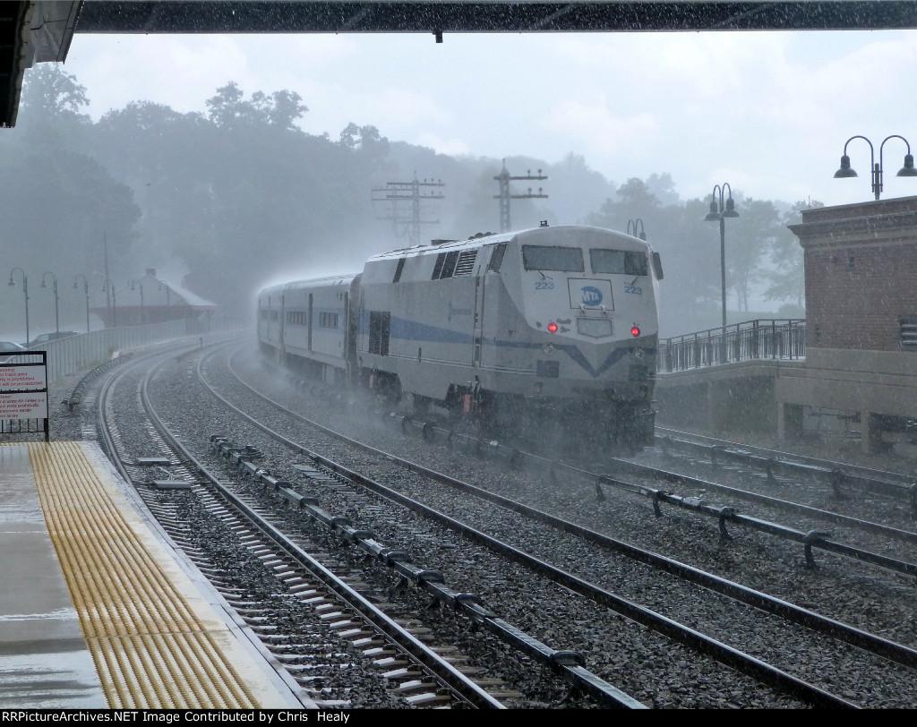Metro-north 223