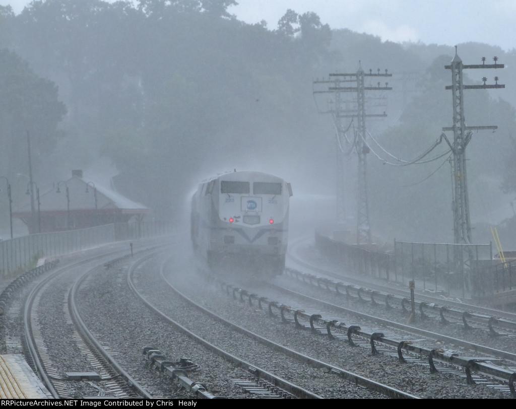 MNRR train 8835