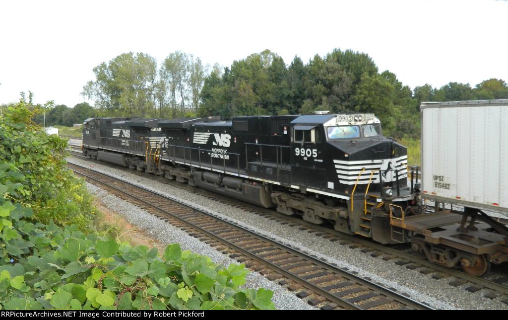 NS 3090 (GP40-2) AND 3073 (GP40-2)