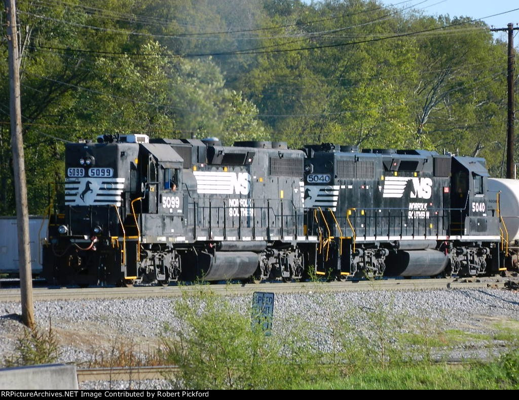 NS 5099 AND 5040 (GP38-2) HIGH HOOD
