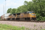 UP 5225, southbound stack train UP ZYCMQB