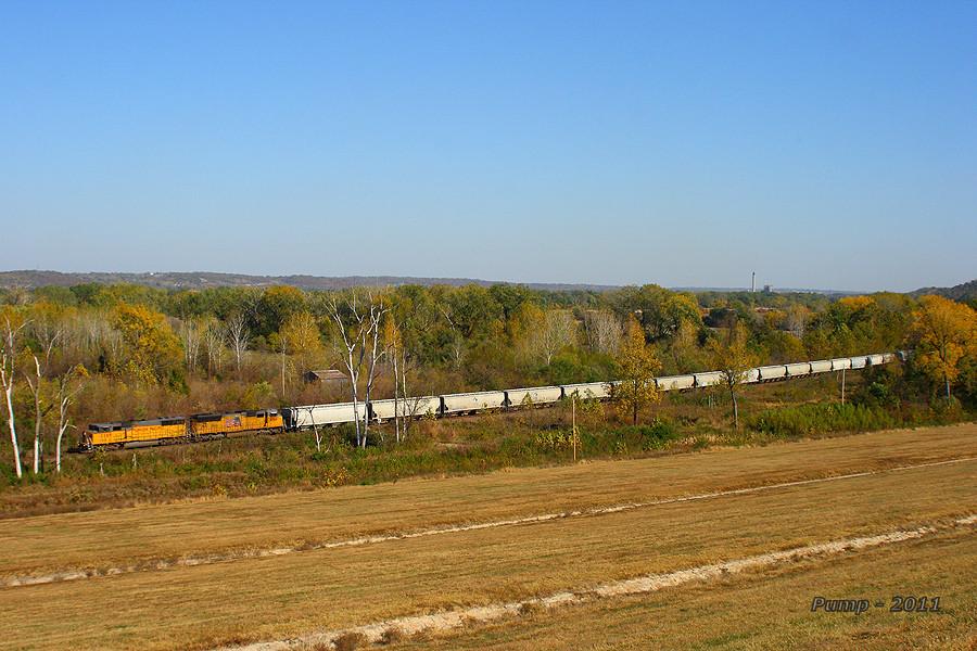 Northbound UP Empty Grain Train