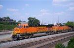 BNSF 5757 (ES44AC)AND 5651 (AC44CW)