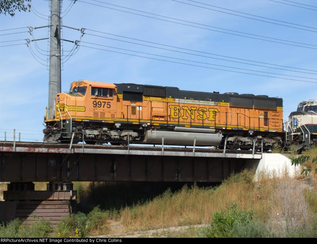 BNSF 9975