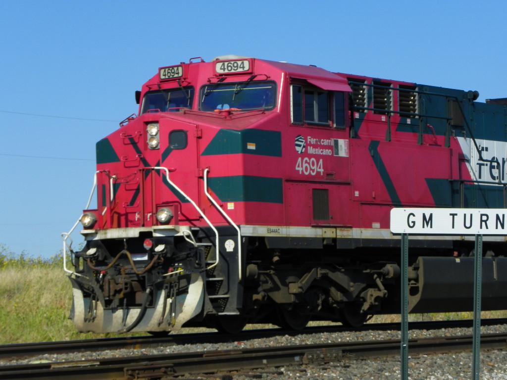 FXE ES44AC 4694