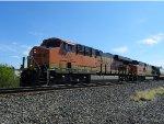 BNSF ES44C4 6687