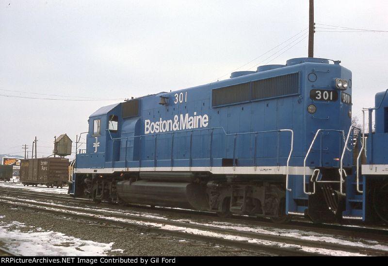 B&M 301(GP40-2)