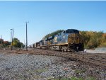 CSX ES40DC and ES44AC on Q386-09