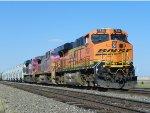 BNSF ES44DC 7532