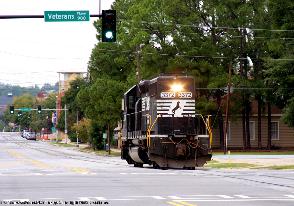 Street running at Veterans Parkway