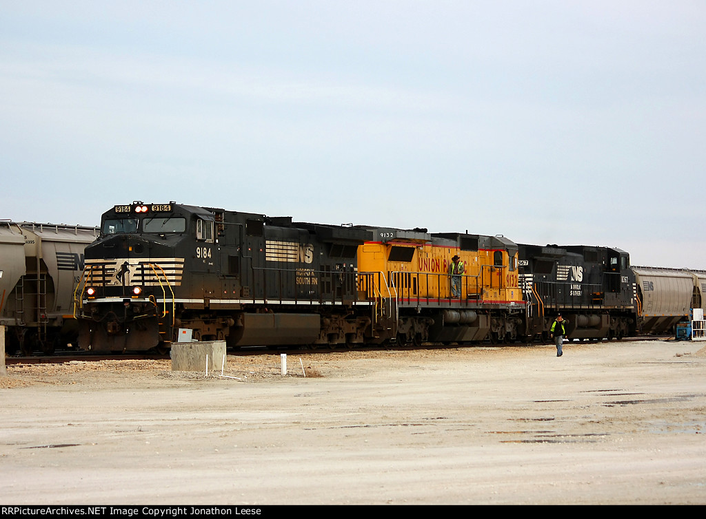 Grand Elk 700 gets ready to build a grain train