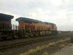 BNSF ES44C4 6670