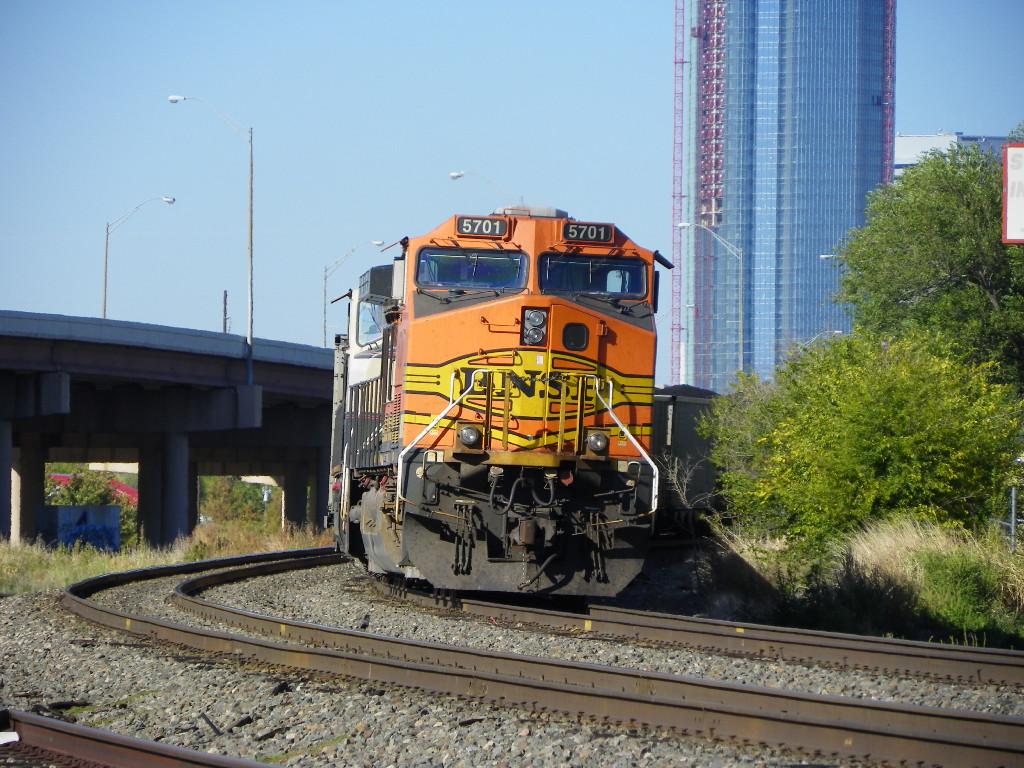BNSF AC4400CW 5701
