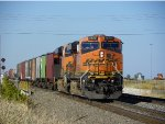 BNSF ES44DC 7477 & BNSF SD40-2 1888