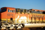 BNSF 6816 heads into the BNSF Barstow yard for Repairs with her Sister BNSF 6813 ahead of her.