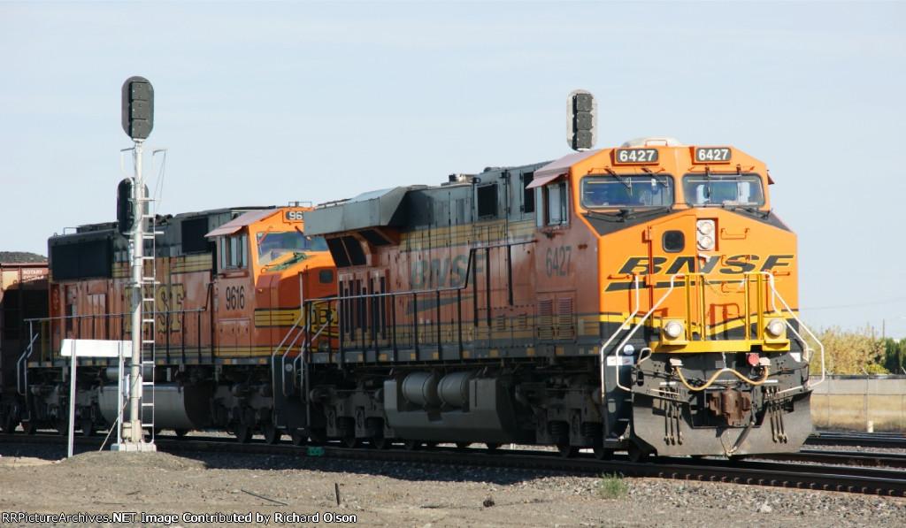 BNSF 6427 west