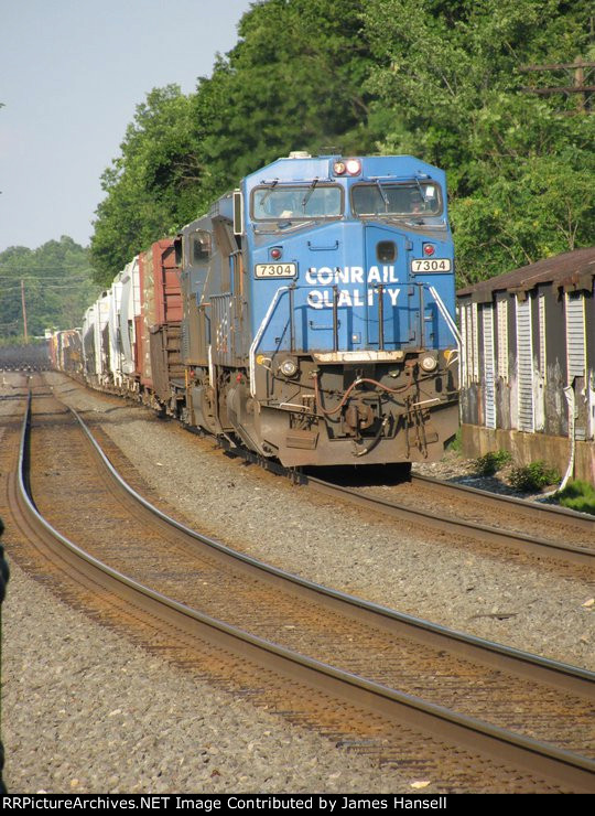 CSX 7304 when in blue