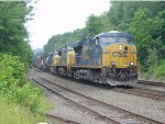 one csx gevo and two CSX C40-8's pull q418