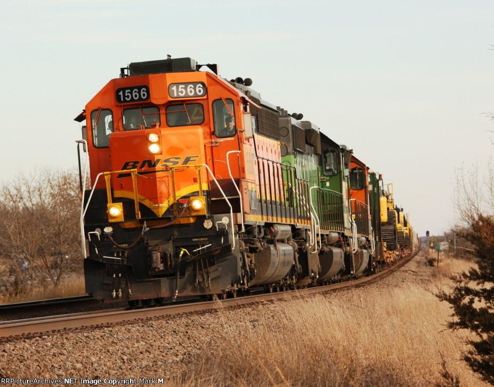 BNSF 1566
