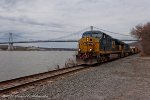 Rounding off the day, CSX Q438 passes us with the Mid Hudson bridge in the backdrop