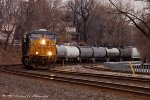 Q418 heads north through the curve in Ridgefield Park