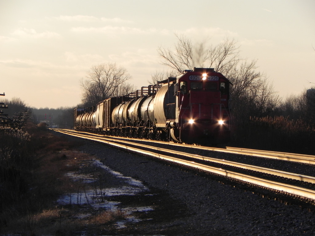Some pretty sweet lighting holds up as CN L500 heads towards flint.