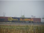 BNSF GP39-2 2789 & BNSF B40-8W 546
