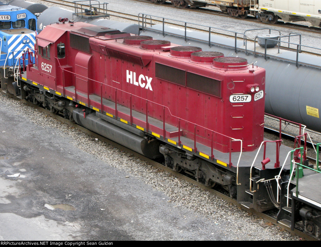 HLCX EMD SD40-2 6257