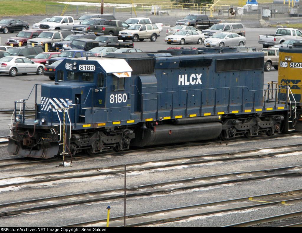 HLCX EMD SD40-2 8180