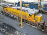 CREX GE C40-8 9061 & CSXT EMD GP40-2 4423