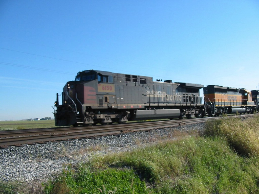 UP 6150 leads west