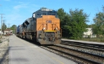 CSX 4833 heads east with intermodle