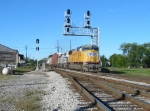 UP 4163 goes east on the NS as it enters the Blair yard