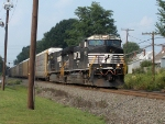 NS 9776 leads an autorack