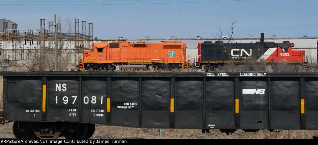 EJE 703, & IC 9562