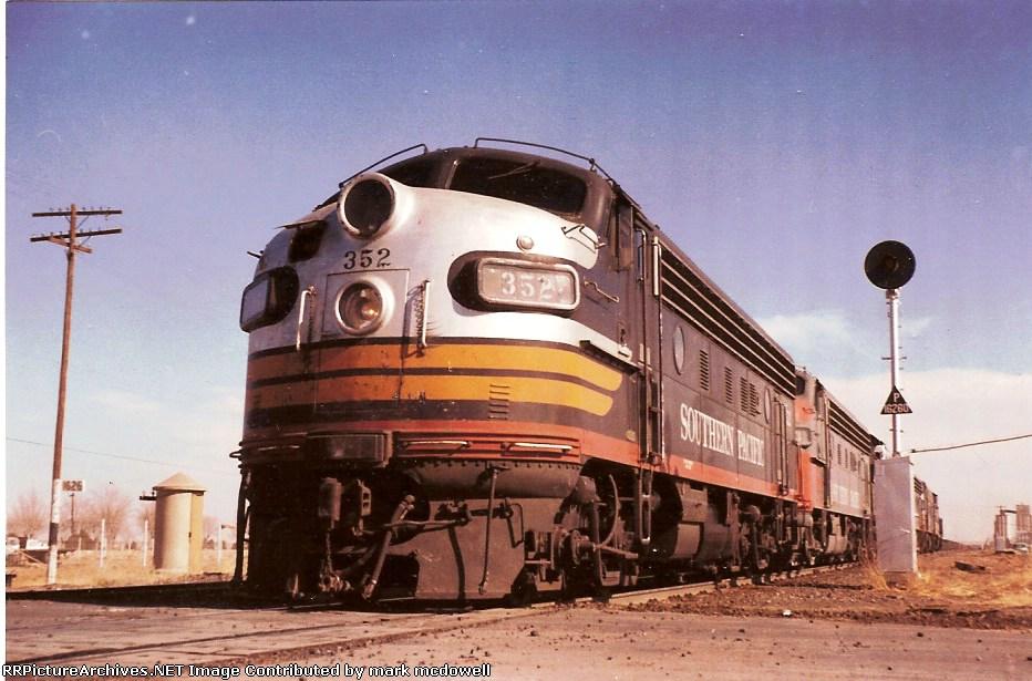 SP 352