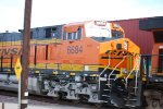 UP Close shot of the BNSF 6684 #2 unit of a Hot Z heading west to LA.