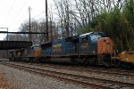 CSX SD70AC 4795 on Q032-16