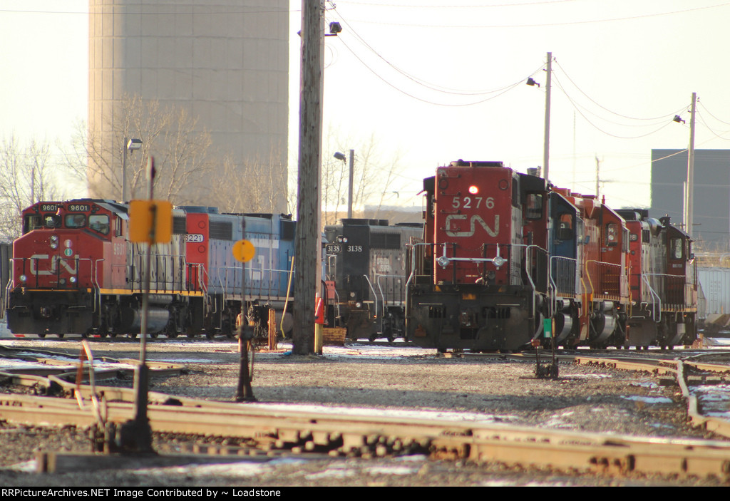 CN 5276 and Friends