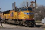 up 4892 leads NS train 226 at 32nd st