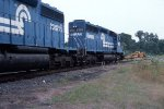 Devault Local with SD40s 2