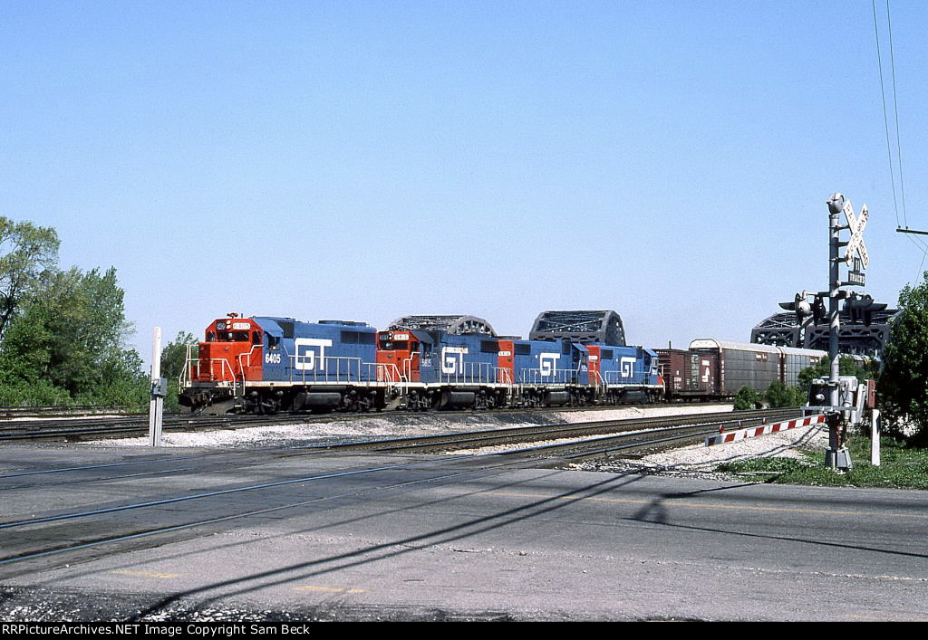 GTW 6405, 5815, 5816, and 5852 on #392