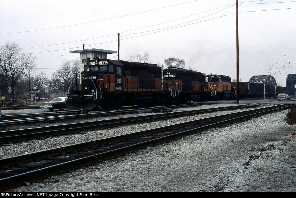 SOO 6386, 6381, and MILW 189