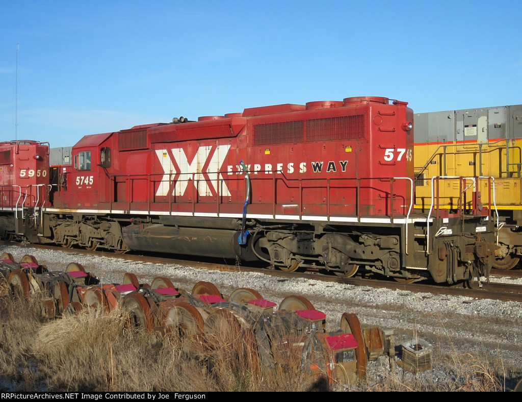 CP 5745 in XPRESSWAY paint