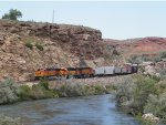 BNSF FREIGHT AT THERMOPLIS, WY WIND RIVER